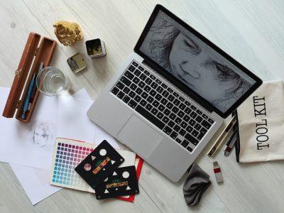 5 Cool Examples of Graphic Design Portfolio Website