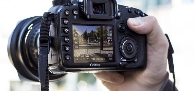 11 Best Touch Screen DSLR Cameras